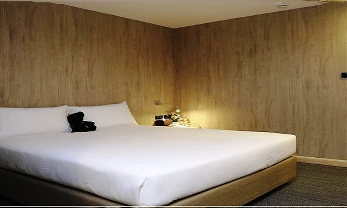 Superior Room choose 3 Hour between 9:00 PM - 6:00 AM  Sleep box by Miracle Bangkok